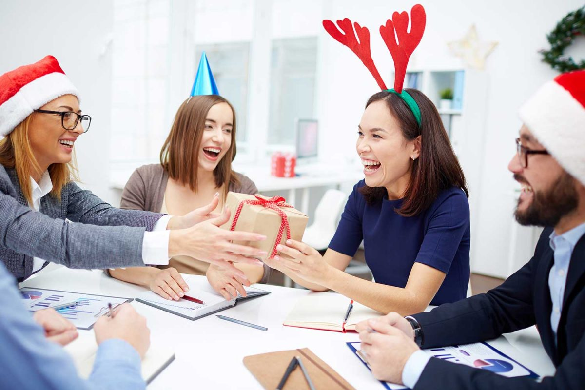 Christmas Parties: Why You Should Network at Your Company Party this Year